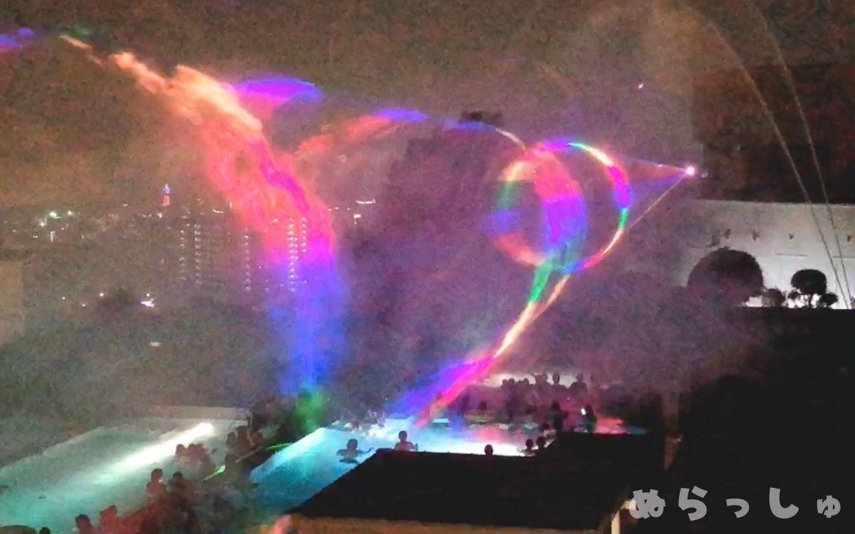 杉乃井ホテルの噴水ショー序盤の様子